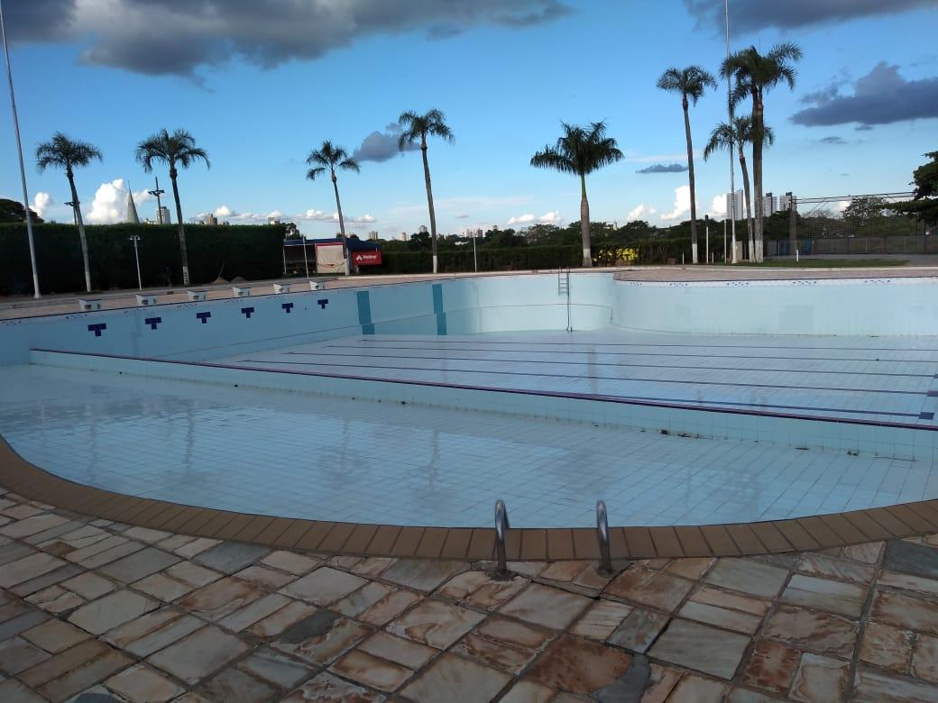 c3726e2150a Na última semana recebemos a empresa Cia das Águas para assinatura do  contrato para a reforma da piscina do clube e ...